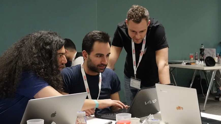 Inspired by His Students, a Teach For Austria Alumnus Created a Coding School to Support Refugees